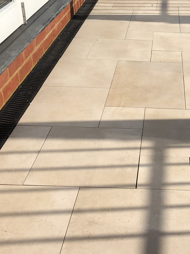 Beige Sawn Sandstone Effect Porcelain Paving Slabs - Mix Size Patio Pack