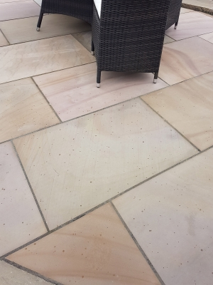 Buff Smooth & Sawn Sandstone Paving - 900x600 Pack