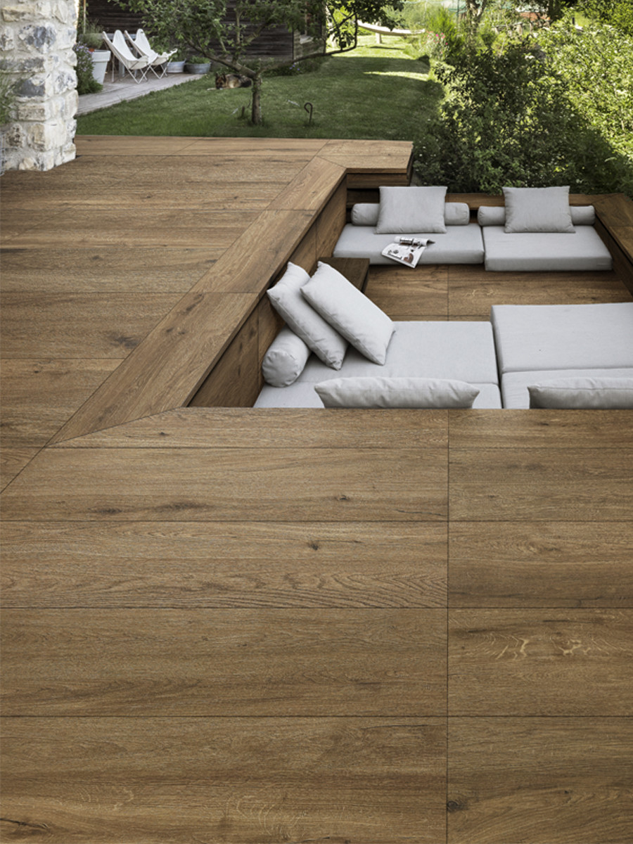 Castagno Wood Effect Outdoor Porcelain Paving Planks - 1200x400 Pack