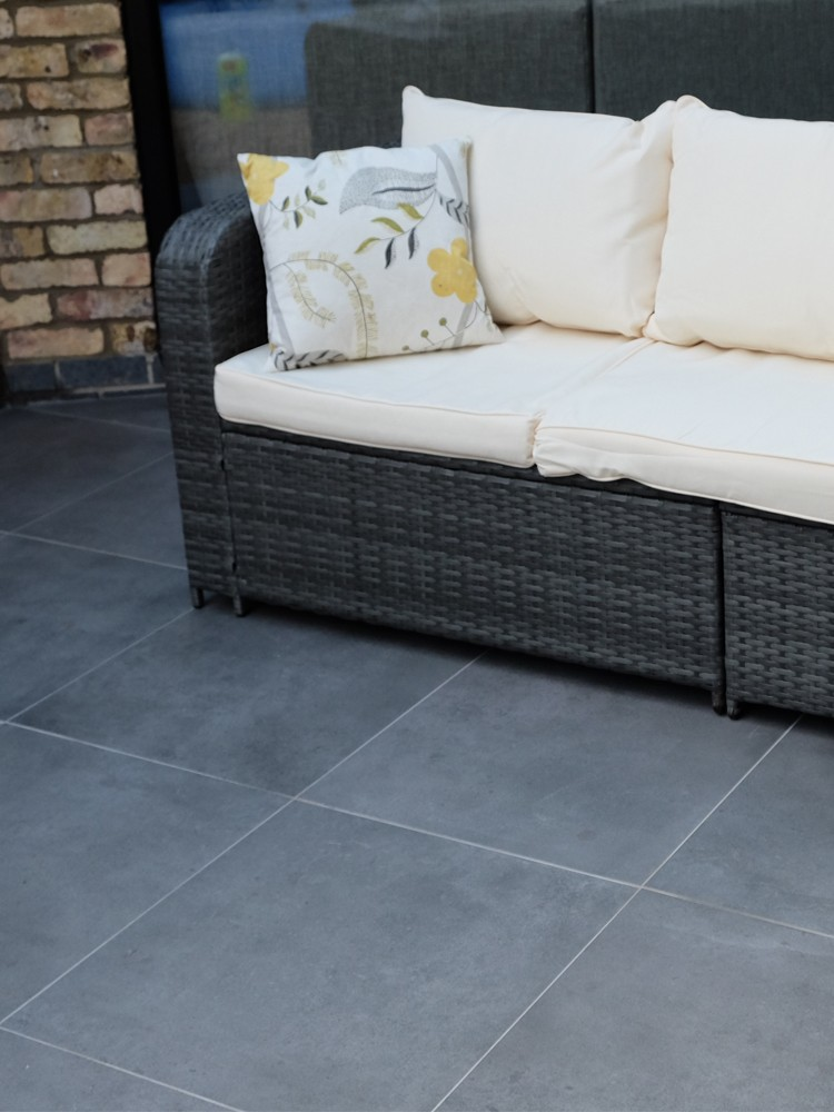 Eclipse Mid Grey Virtue Vitrified Porcelain Paving Slabs - Mix Size Patio Pack