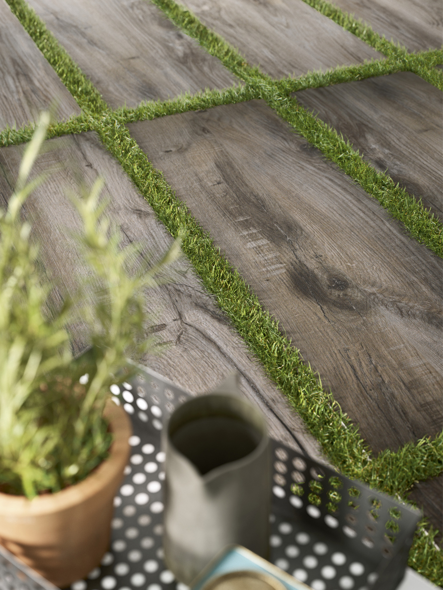 Fume Grey Wood Effect Outdoor Porcelain Paving Planks - 1200x400 Pack