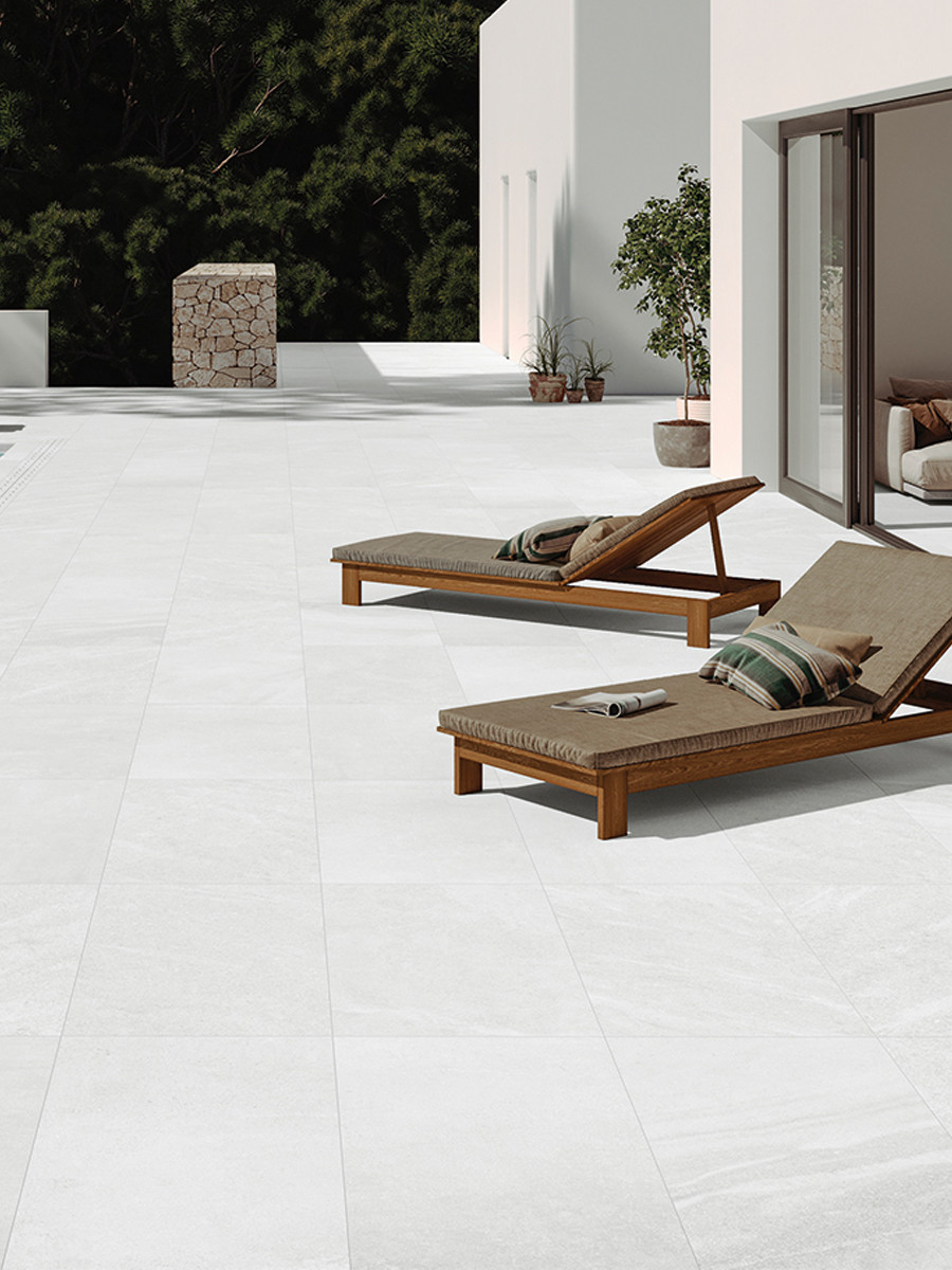Idemo White Outdoor Porcelain Paving Slabs - 900x600 Pack