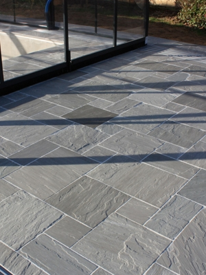 Kandla Grey Indian Sandstone Paving Slabs - Mix Size Patio Pack