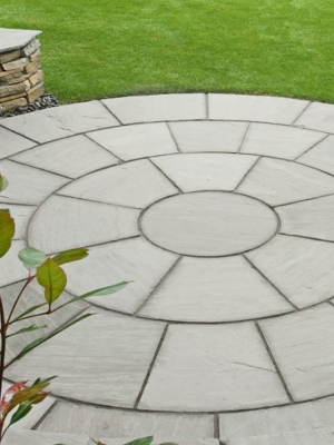 Kandla Grey Indian Sandstone Circle Feature - 2.7m Diameter