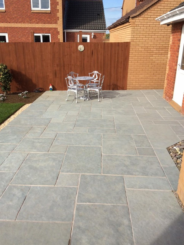 Kota Blue Natural Limestone Paving Slabs - Mix Size Patio Pack