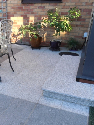 Silver Grey Granite Paving Slabs - 600x600 Pack