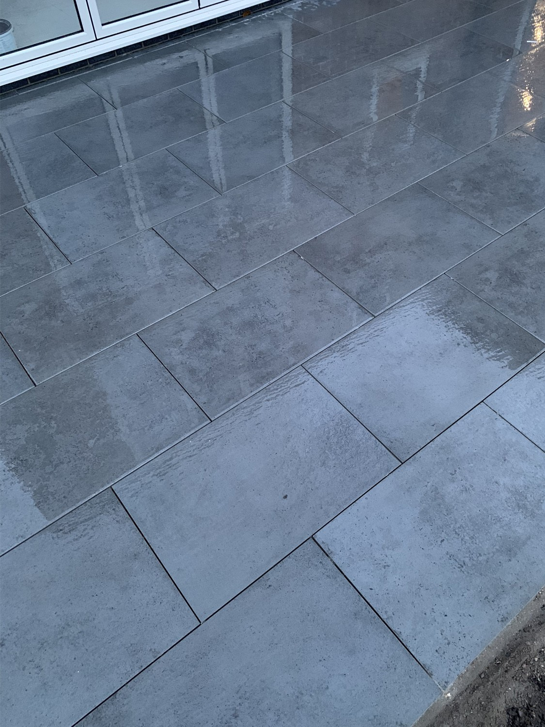 Luna Anthracite Virtue Vitrified Porcelain Paving Slabs - 900x600 Pack