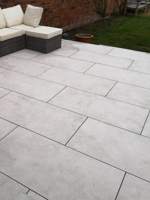 Luna White Virtue Vitrified Outdoor Porcelain Paving Slabs - 1200x600 Pack