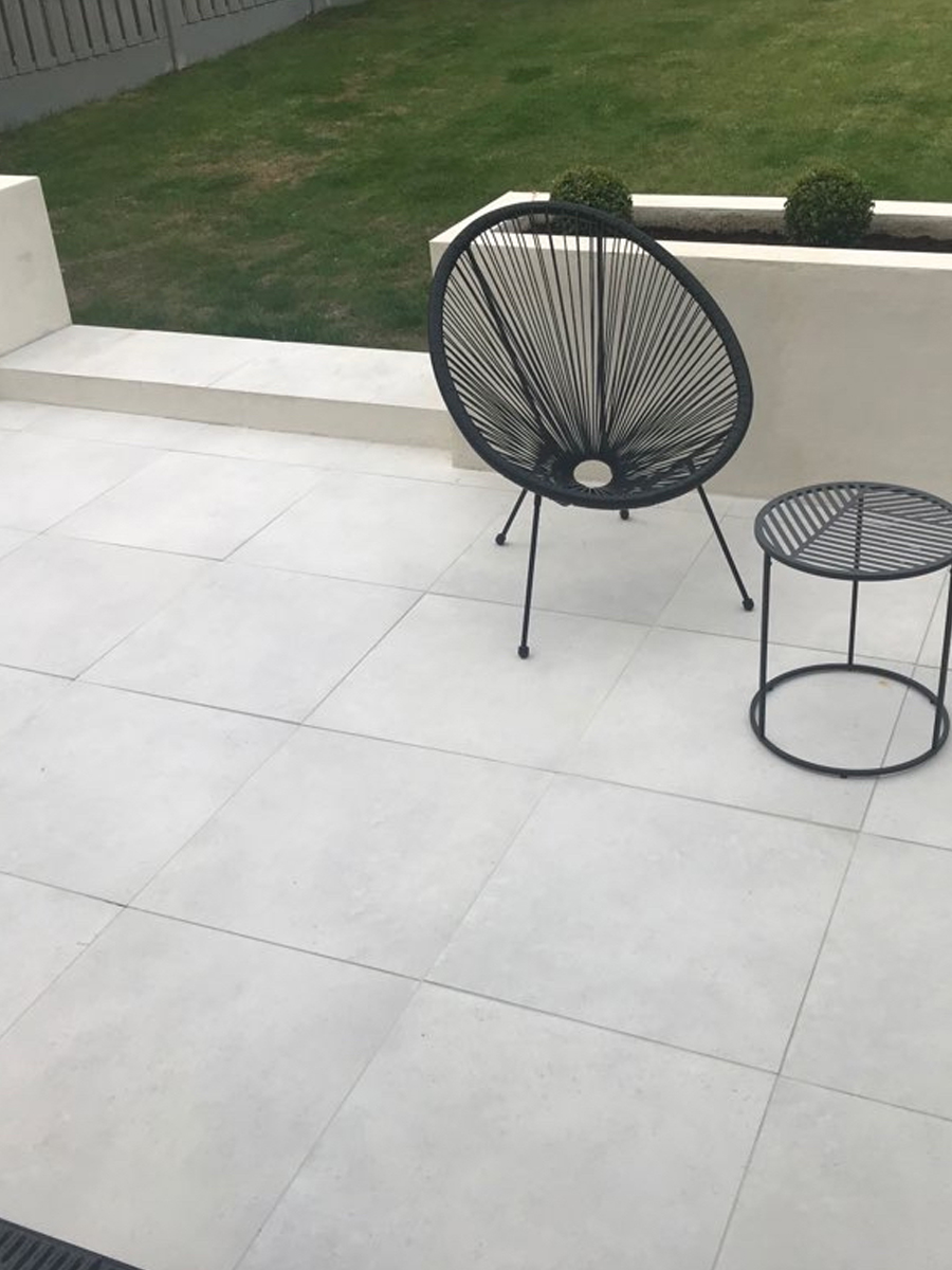 Luna White Virtue Vitrified Outdoor Porcelain Paving Slabs - 600x600 Pack