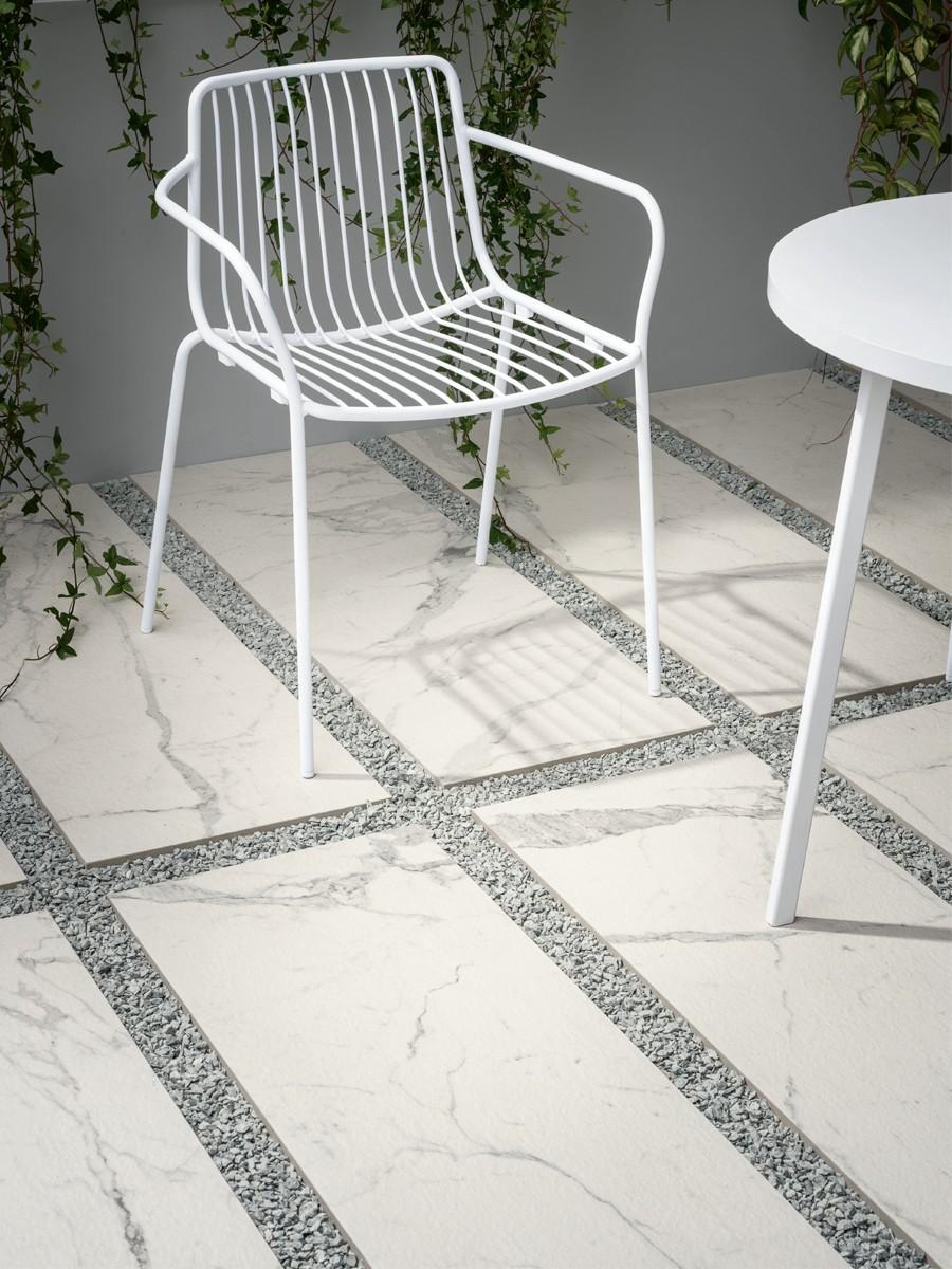 Italian Statuario Marble Effect King Size Porcelain Paving Slabs - 1200x400 Pack