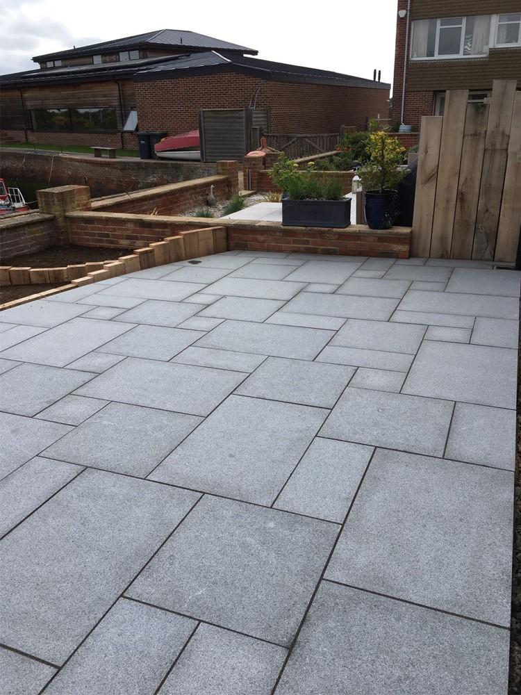Dark Stone Slabs : Dark grey granite paving mid slabs