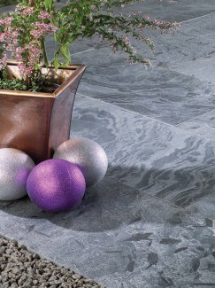 Moonlight Brushed Natural Slate Paving Slabs - Mix Size Patio Pack