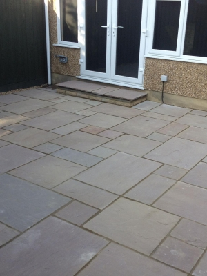 Raj Blend Indian Sandstone Paving Slabs - Mix Size Patio Pack