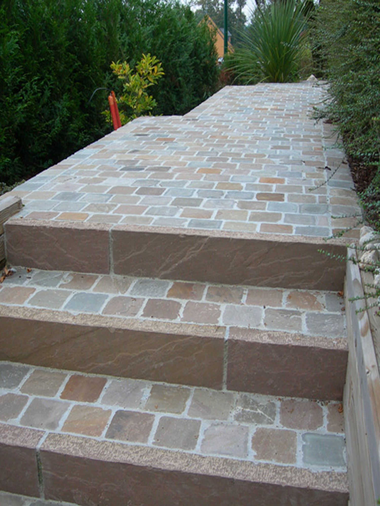 Raj Green Riven Indian Sandstone Setts - Mix Size Pack