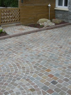 Raj Green Natural Sandstone Setts - 100x100 Pack