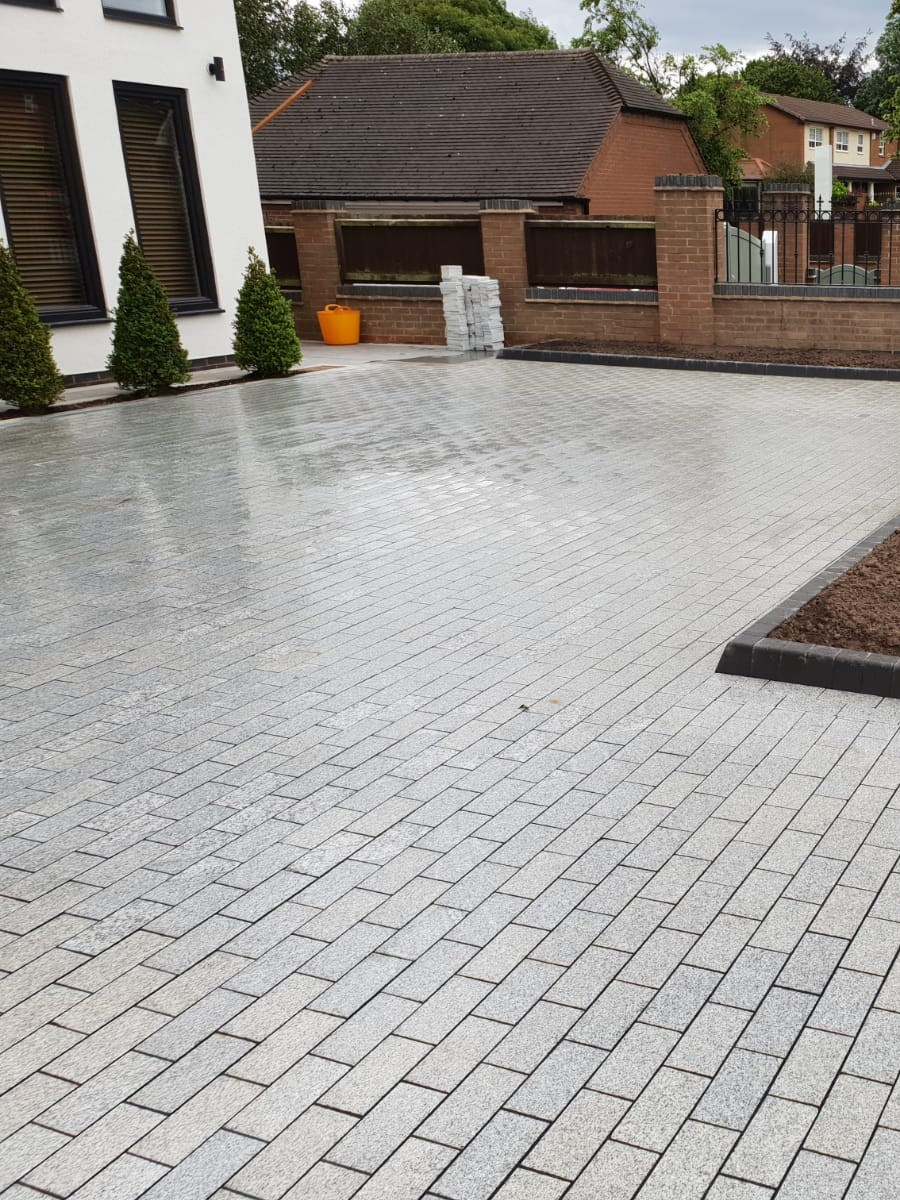 Silver Grey Sawn Granite Setts - 200x100 Pack
