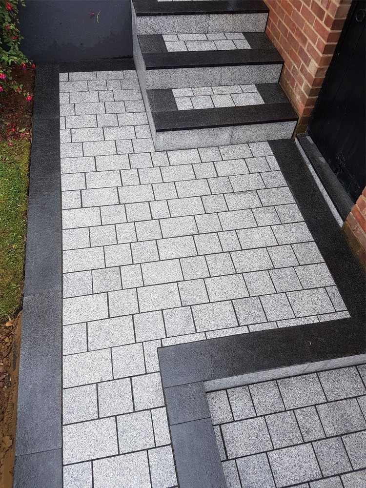 Light Grey Sawn Driveway Granite Setts - Block Paving