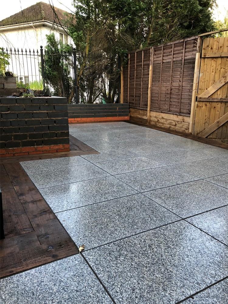 Silver Grey Granite Paving Slabs - 900x600 Pack