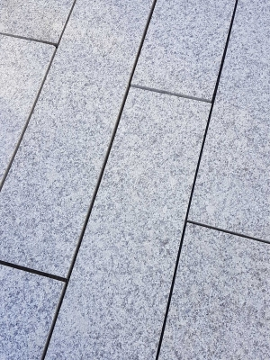 Silver Grey Granite Paving Slabs - 800x200 Pack